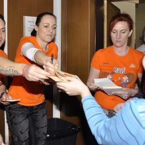 Veselé zúbky - náučno-zábavné podujatie pre deti - darčeky pre deti od Roba Pappa, Adriany Polákovej a tety zubárky (marec 2013)