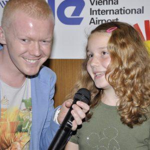 Marián Fatrsík ako spevák i pedagoóg pri vystúpení so svojou žiačkou. (MDD 2012)
