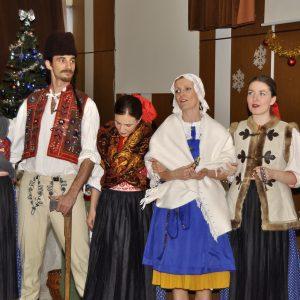 Vystúpenie folklórneho súboru Karpaty. (Mikuláš 2012)