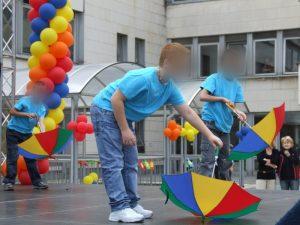 Tanečné vystúpenie. (MDD 2009)