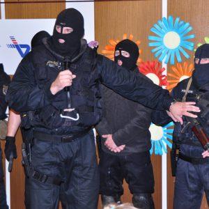 Ukážka práce policajného zboru (MDD 2010)