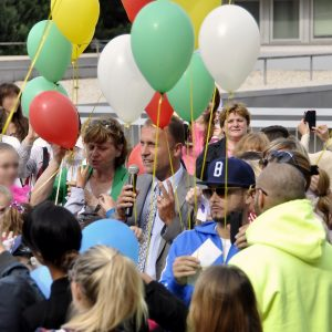 Symbolické vypúšťanie balónov s prianiami - MDD 2014
