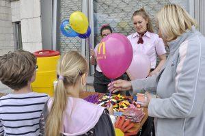 Pitný režim a drobné darčeky od MacDonald´s - MDD 2014